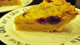You Be Sweet! Blackberry Crumb Pie